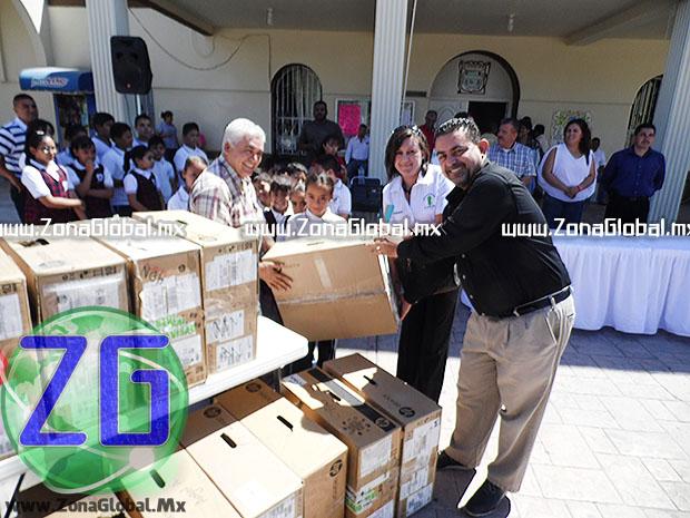 Se procedió con la entrega de 24 equipos de cómputo; 12 para la Escuela Primaria Cuauhtémoc 2220 y 12 más para la General Pedro Meoqui. [FOTO: ZG]